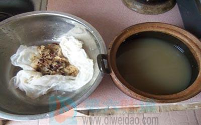 秋梨膏的做法步骤5 关火放晾,用纱布把渣沥出来——第六味道